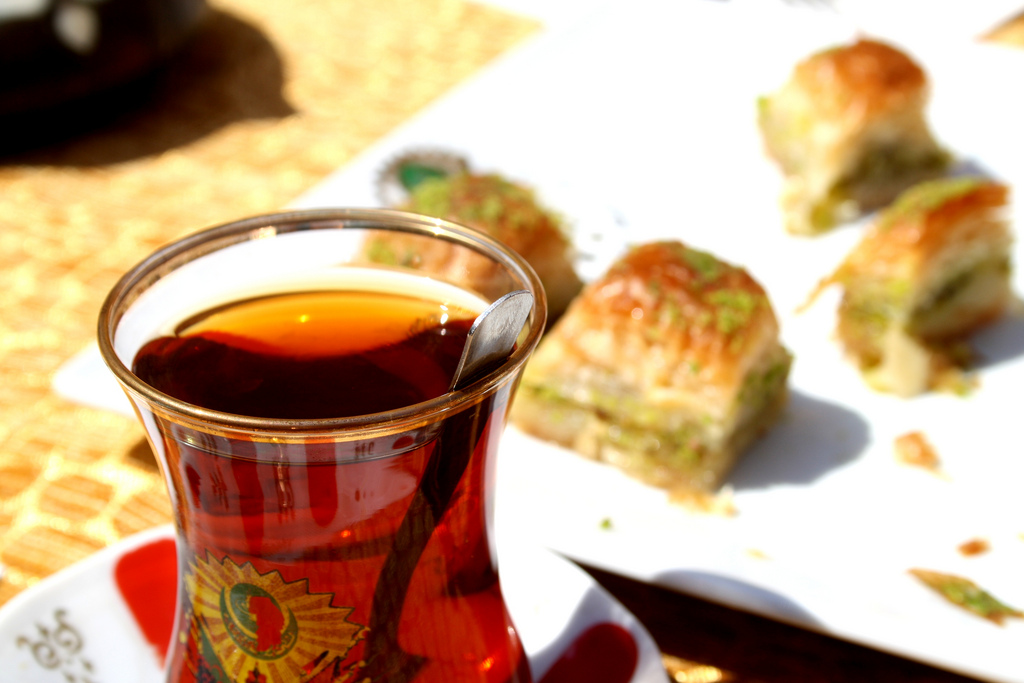 Turkish Coffee & Baklava (Jorge Cancela, Flickr)
