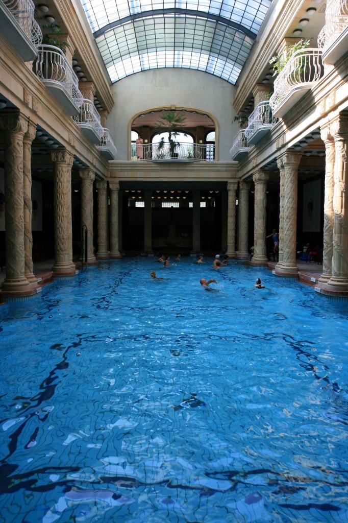 Gellert-Bath,-Budapest---Do
