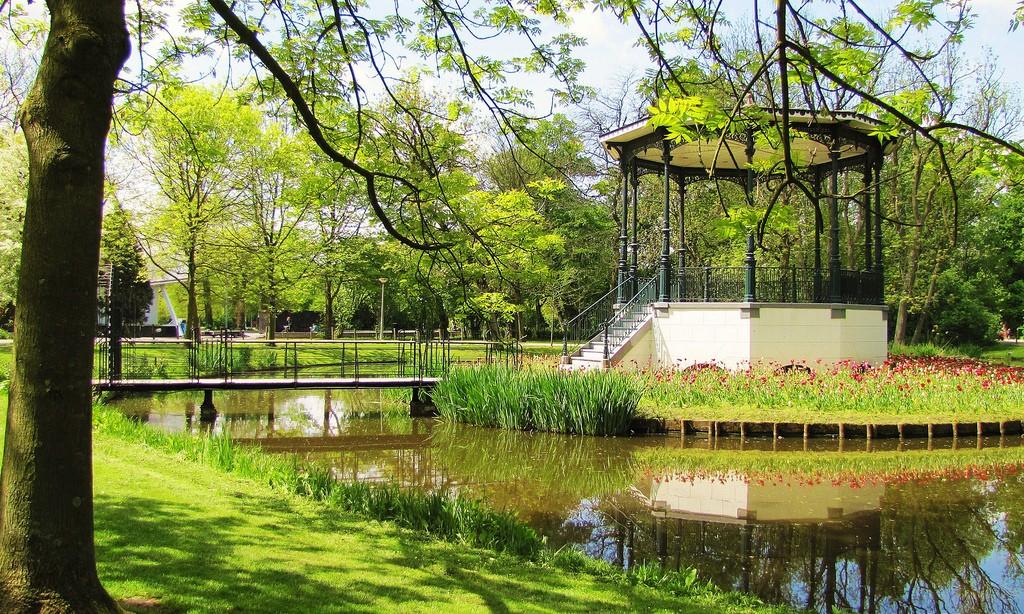 Vondelpark - Pond Gazebo 3
